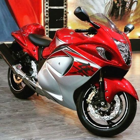 Hayabusa which was used in the first part of the Bollywood movie named as Dhoom at the Auto Expo -The Motor Show Suzuki Oyemyclick Photooftheday Superbike Autoexpo2016 India