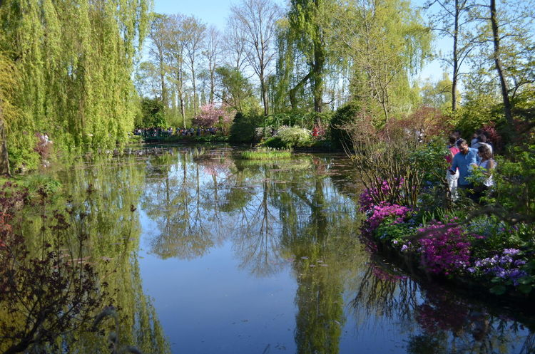 #France #monetgarden #nofilter#noedit #normandie #spring Beauty In Nature Day Flower Lake Nature Outdoors People Reflection Sky Tranquility Tree Two People Water