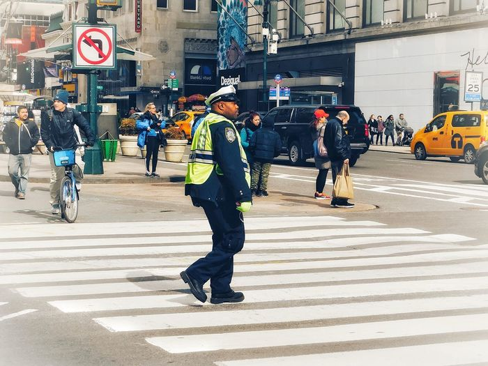 The nicest cop I've ever had a chat with People Bloke Male Herald Square Manhattan Man Police Officers Police Officer Popo Cop Safety Men Transportation Walking Building Exterior Police Force Full Length Day Occupation Real People Police Uniform City Outdoors Architecture Reflective Clothing Adult People Adults Only