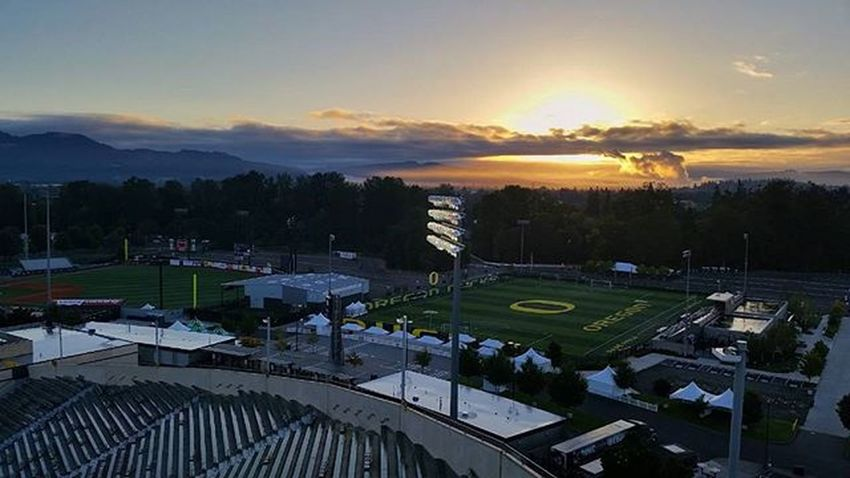 Early Morning in Eugene SunriseToSunset setting up for another great game today Collegefootball Tvland Productionlife Sunrise