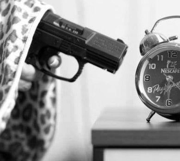 those day where you just wanna lay in bed 5 minutes extra Goodmorning More cofMore Coffee Please I Need To Wake Up Guns Wanna Stay In Bed
