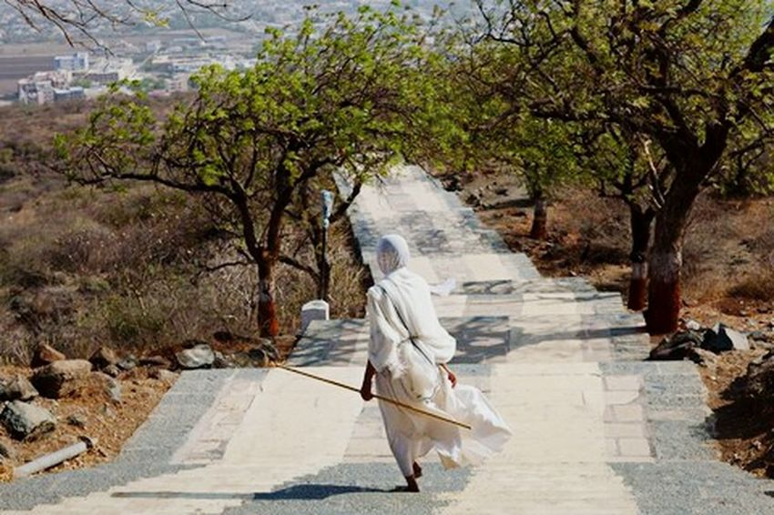 Travel Photography Travel Pilgrimage Pilgrim Jain Jainism Marji Lang Photography Sadhvi Woman Walk Palitana Gujarat India