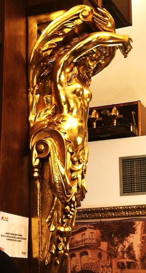 Gold Colored Architecture Statue Gold Sculpture Barcelona Interiorism Architecture Ligthnigth Illuminated Indoors