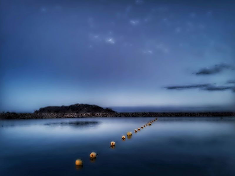 When the nigth is coming.... Somosfelices Stremzoofamily darkness and light Darkness EyeEm Best Shots 4eyephotography Nigthphotography Beach Reflection Water Moon Lake Blue Star - Space Reflection Sky Cloud - Sky Moonlight A New Beginning