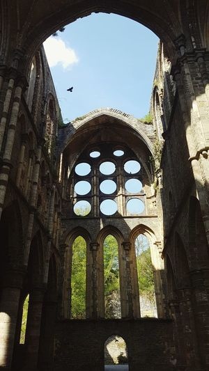 Blue Sky Sun Bird Abbaye History Window Arch Architecture Built Structure Sky Old Ruin Ancient