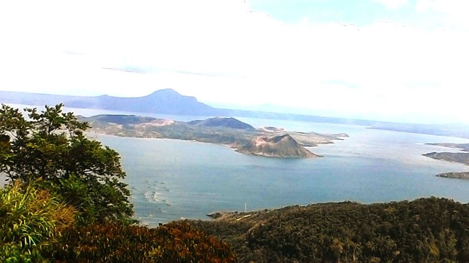 Tagaytay is one of the most visit place where tourist got the chance to see one of the Philippines Pride 'The Taal Volcano'. Located in the midst of the Taal Lake. Check This Out Relaxing Hello World Takingthedayoff Havinggoodtime