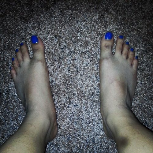 "Jenny said ""it's girl night..entertain me let me paint your toenails.."" lol -.- Imustloveyou if I let you do this!!! O.o Pedi Blue Favcolor"