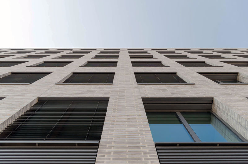 Apartment Directly Below In A Row Office Building Exterior Tall - High Sunlight Copy Space Modern Office Outdoors City Nature Day No People Clear Sky Window Building Low Angle View Sky Building Exterior Built Structure Architecture My Best Photo