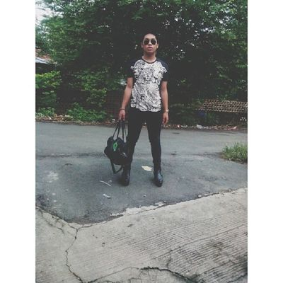 Off to School. Ootd Sotd Asian  Asiangay gay sogay instagay androgyny androgynous instagramers instafashion igersmanila igers igersph