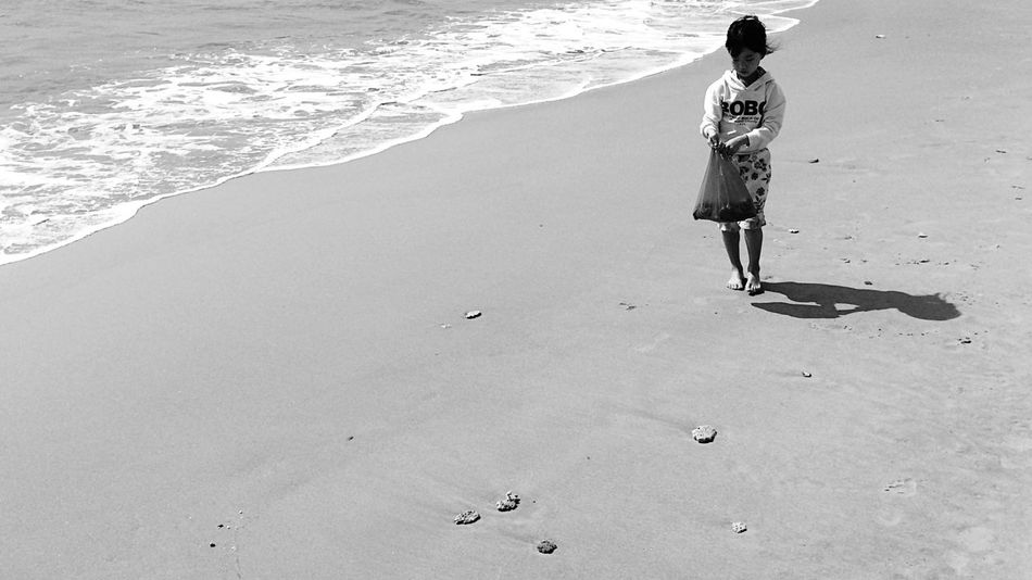 Walk This Way Everyday Lives Island Haynan Black & White Life Is A Beach Peuple Sand & Sea My Island Beautiful View Peaple Of The Oceans Live For The Story Live For The Story Live For The Story