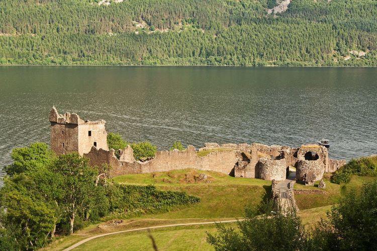 Urquhart Castle, Drumnadrochit, Inverness-shire. Urquhart Castle Loch Ness Inverness-shire Scotland Castles Ruined Castles Landscapes