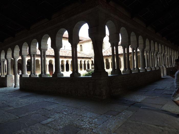 Abbazia Cistercense di Santa Maria a Follina. A un un'ora da Venezia, un gioiellino incastonato ai piedi delle colline del Prosecco, nei pressi di Valdobbiadene.