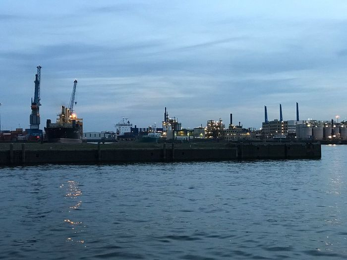 Water Sky Waterfront Industry Outdoors Commercial Dock Sea No People Nature Nautical Vessel Cloud - Sky Day Refueling Offshore Platform Drilling Rig Architecture