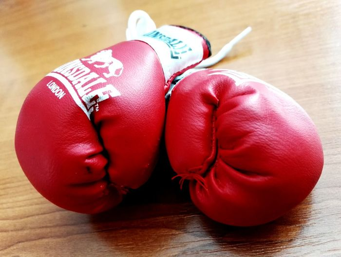 Small things can make me happy too 😍😈 Red Close-up Adult Box Boxing Gloves MuayThai Gloves Littlethings Something I Love