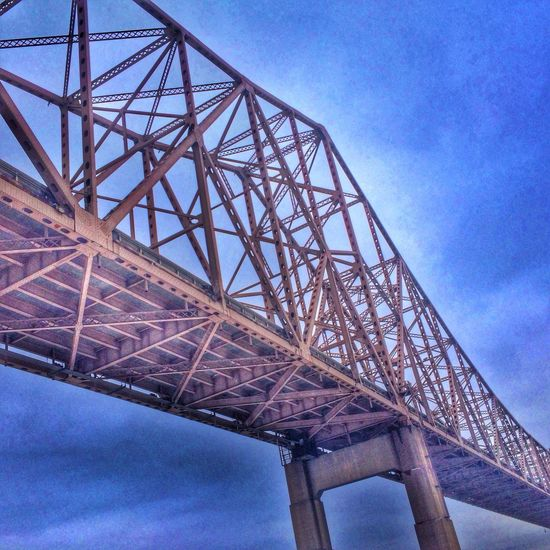 Transitions St. Louis, MO AMPt_community Bridge HDR
