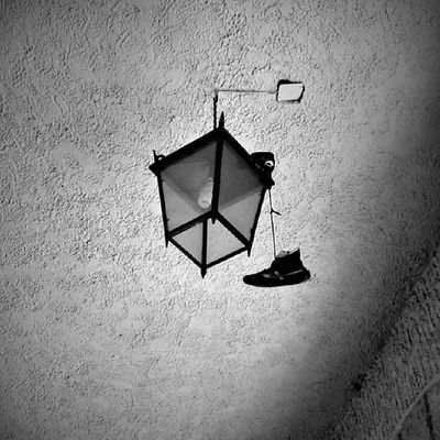 Colgo los tenis Igersguadalajara Wwim9gdl Wwim9 Igcapturesclub instaworld_love igworldclub igblackandwhite bnw_kings bnw_captures blackandwhitephotography
