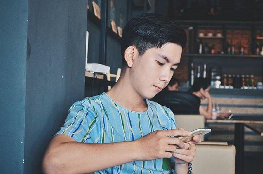 Khuôn mặt muôn kiểu . Cứ góc khác hay thay vì chụp selfie mà chụp máy thì khuôn mặt lại biến đổi ! 😅😅😅😅 Vietnamboy Vietnam Boy Chinaboy Asian  Selfie Beauty Boys Cool Followme Funny Happy Heart Hot Instaman Male Males  Man Me Men Great