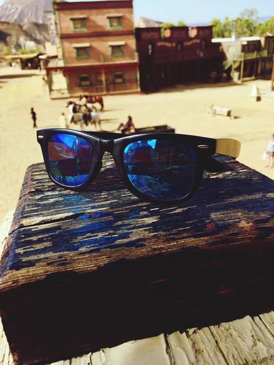 Western Cowboy SPAIN Mini Hollywood Old Sand Two Is Better Than One Clear Sky Close Up Sunglasses