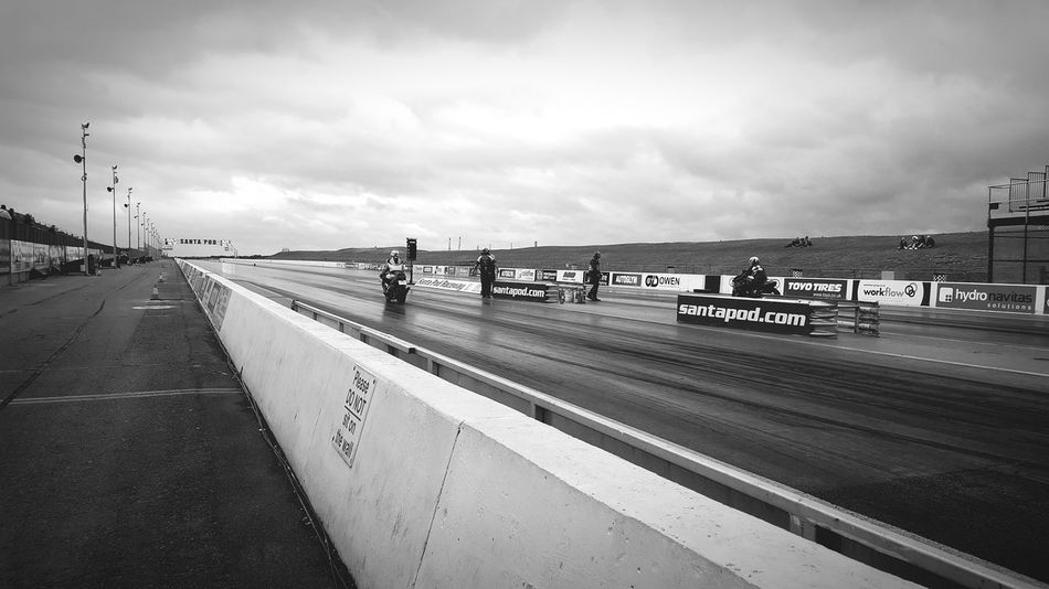Bikes Dragstripphoto Race Santapod Turbo Black And White Photography Perspective Starting Line