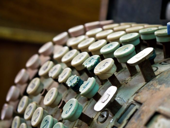 Focus Object Focus Object Money Register Cashregister Oldcashregister Machine Oldmachine Symbols Numbers Dust Rustic Vintage Style Vintage Treasure Rusty Rust Colors And Patters Close Up Technology Cash