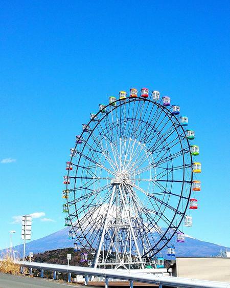 今日の富士川からの富士山。 富士川楽座 富士川SA 富士山 富士川観覧車 青空 Mt.Fuji Fuji City 富士市 Blue Sky Hello World