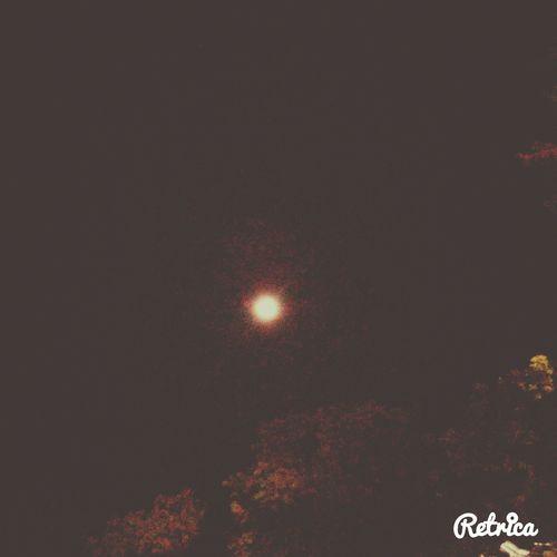 La luna vista en estos momentos en mi trabajo