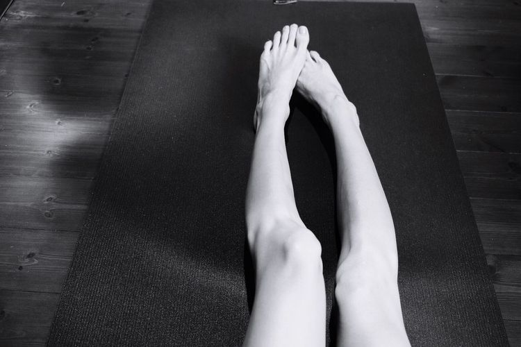 You know a lot of things. You teach everything. My yoga mat is the best teacher in my life. From My Point Of View Taking Photos Enjoying Life Eye4photography  Monocrome Blackandwhite Black And White That's Me Yoga Black Mat Around Me Legs