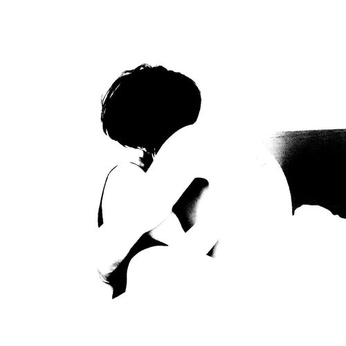 Sigo con esa tremenda alergia, cada vez que te pienso mis ojos enrrojecen,lo peor es la fecuencia de los ataques... Silhouette People Adult Bw_collection Bw_lover My Obsession Love Is In The Air Love ♥ Perdonametu Esacaradeidiota
