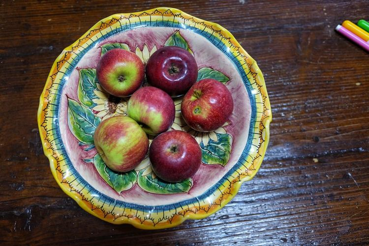 Apple Apples Close-up Day Food Food And Drink Freshness Fruit Fruit Bowl Healthy Eating High Angle View Indoors  No People Pottery Ready-to-eat Still Life Sweet Food Table Wood - Material