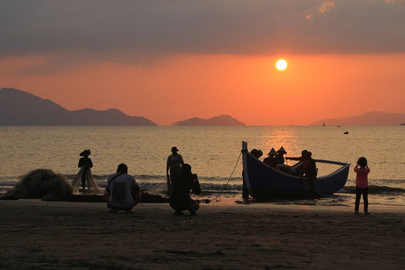 Photography INDONESIA Aceh Fishing Fish Fisherman Aceh Culture Sea Sunset Beach Water Sand Sun Silhouette Sky Horizon Over Water Commercial Fishing Net Tide Wave Water Sport Fishing Pole Fishing Rod Friend Fishing Boat Surf Fishing Equipment Fishing Tackle Surfer Shore Fishing Hook