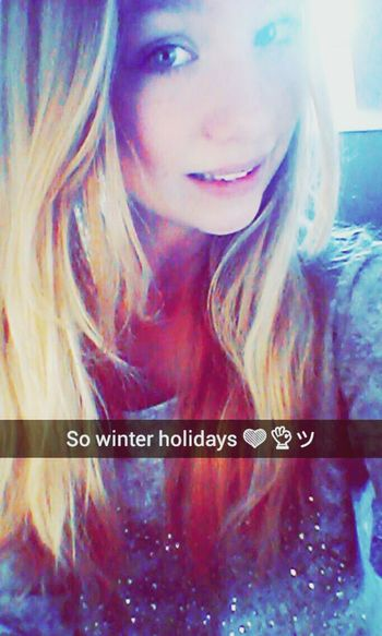 Winter Holidays Me Polishgirl Selfie Goldie Lovely Sunday ❤?