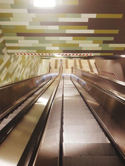 Illuminated escalator