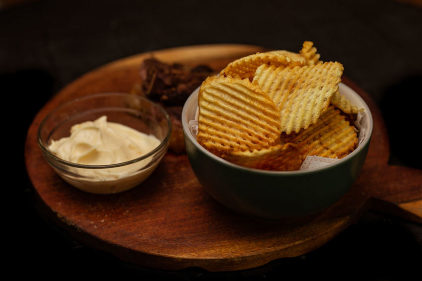 Papas Rejillas Papas Papas Rejillas Papasfritas Food Foodphotography Alimentosdelicioso 💪🏼 EyeEm Selects Peanut Butter Bowl Snack Dessert Comfort Food Sweet Food Food And Drink Crunchy Protein Bar Nacho Chip Potato Chip Unhealthy Lifestyle