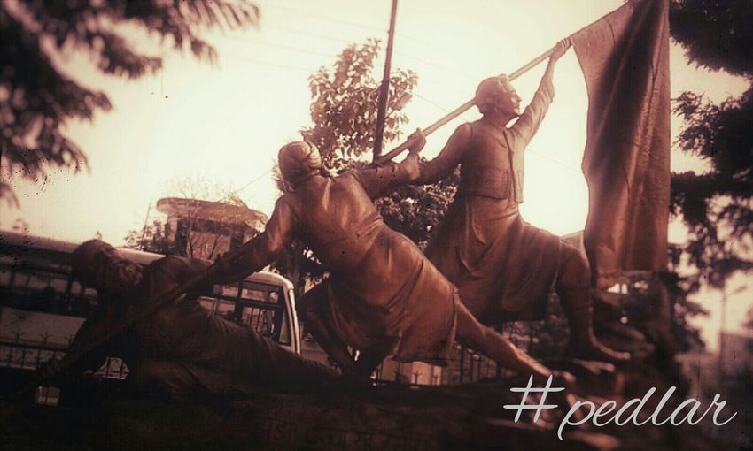 Taking Photos Patriots  Motherindia Bravesons Remembering Sacrifice Republic Secular Constitutionalised Democratic Check This Out Statue In The City Pic Of D Day EyeEm Gallery Eye4photography  Buenosdias :)