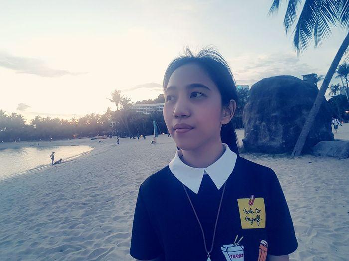 Singapore Eyeemphotography EyeEm May 2017 Throwback SilosoBeachSentosa Beachphotography Selfie ✌ Beautiful Place Beautiful Sunset