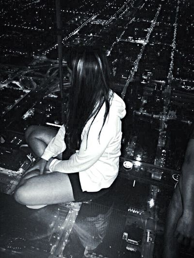 Lifestyles Long Hair Women Have A Nice Day♥ Eye4photography  Leisure Activity Willis Tower Chicago ♥ Prospect Holidays In USA Happy Time