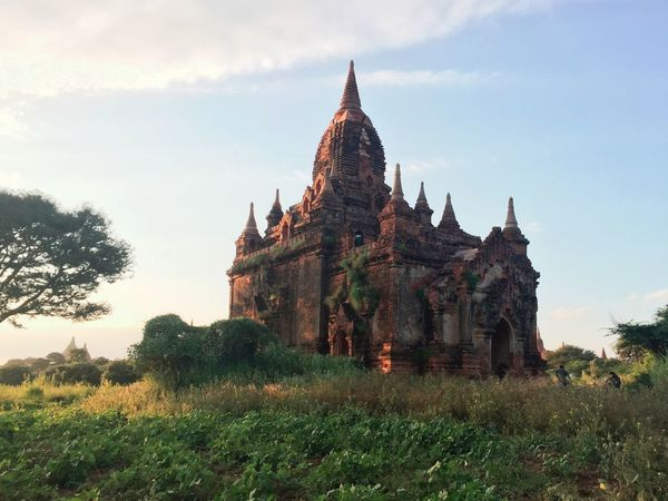 Around the Tellus. 📍🇲🇲 Architecture Built Structure Building Exterior Sky History Spirituality Place Of Worship Religion Travel Destinations No People Day Ancient Civilization Grass Nature Outdoors Myanmar Burma Bagan Pagoda Vacations Travel Photography Lifestyles Travelphotography Photographer Photo EyeEm Selects