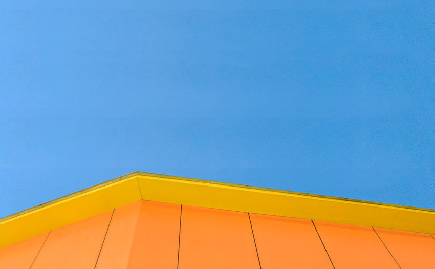 Minimal art Minimal Wallpaper Simple Art Sky Building Yellow Architecture Backgrounds Day Blue First Eyeem Photo The Architect - 2017 EyeEm Awards The Architect - 2018 EyeEm Awards