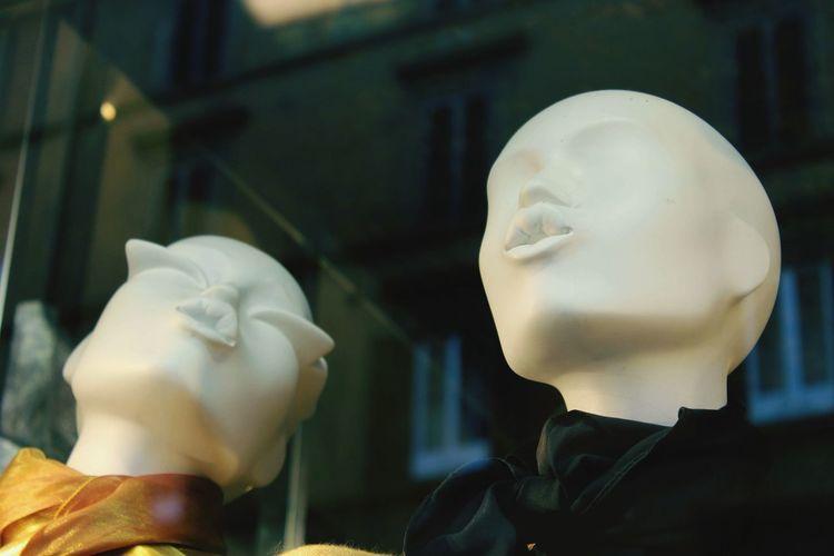 Women Headshot Close-up Mannequin Window Display Shop Store Window Window Shopping Retail Display Clothing Store