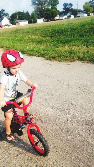 Bub and i r out ride n bikes. Look at my big boy hes getn so big. Thats my lil man rytcha