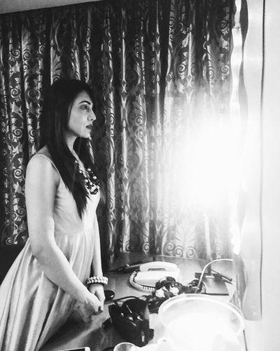 tryst with the mirror! Mirror Mirrormirror Jankee Jankeeandfriends Diva India Indianbeauty Indianmodels Beautifulindianbrides Singers Indiansingers Indianmusic Bollywoodmusic Singingsensation Blackwhite Monochrome Infrontofmirror Beautyinfrontofmirror Indiancelebrities Youtubestar