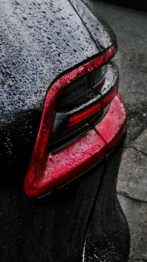 Red Backlight Porsche Macan Porsche Macan Porsche Backlight Carpart Close-up Raindrops Nasser Lack Tropfen Wet Day Fashion Stories