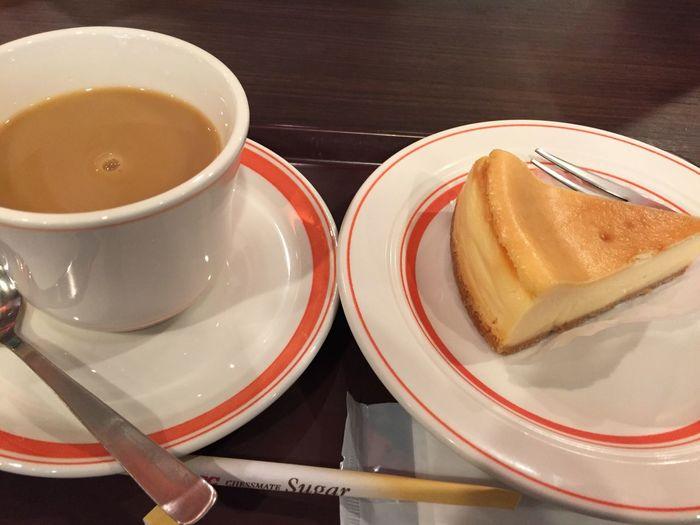 ブレンドコーヒーとチーズケーキ