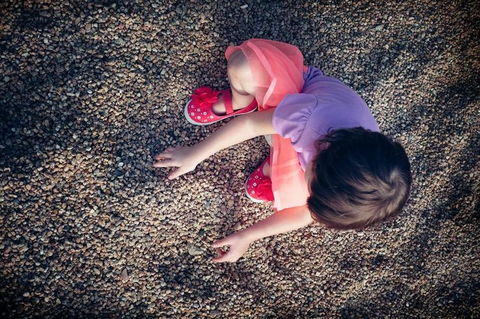 Rocks Fuji X-T1 Color Photography Kids Being Kids Candid Portraits From Above  A Day In The Life Birds Eye View Learn & Shoot: Single Light Source Messthetics Outsiderin Childhood Real People Playing