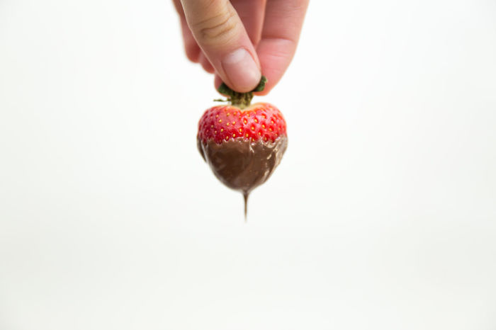 Chocolate Chocolate Covered Chocolate Covered Strawberries Chocolate Covered Strawberry Chocolate Dipped Strawberries Close-up Dessert Dipped In Chocolate Food Food And Drink Fruit Healthy Eating Nutella Organic Red Ripe Still Life Strawberry White Background