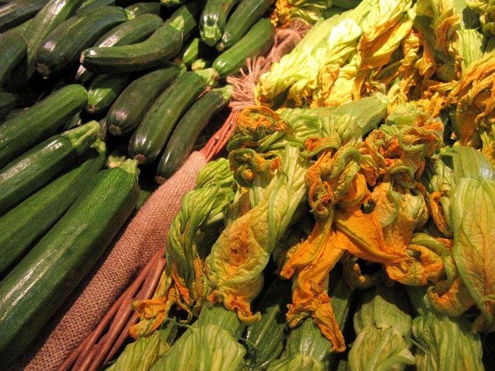Vegetable Gemüse Green Color Orange Color High Angle View Food Market Healthy Eating Freshness Close-up Gesundheit Essen Grün Orange Zucchini Zucchini Flower Zucchiniblüte Art Is Everywhere Canon Powershot SX200 IS Canon Powershot