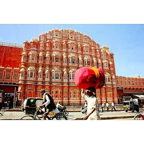 jaipurHawamahal Rajasthan Forts Tourism Traditonal Color Festival Culture Folk Music Rythm Pinkcity Pink City Shudh Desi Rommance Rajputana Love Proud To  Be Indian