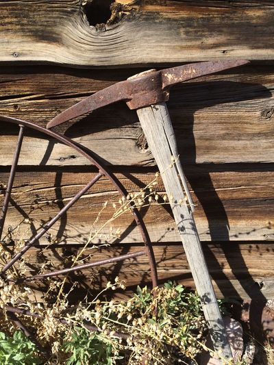 Pickaxe Rust Old Weeds Spoke Spokes Rusted Rusty No Edit/no Filter No Filter