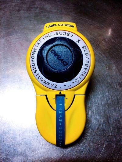 Dymo Stationary Close-up Yellow IPhoneography Streamzoofamily My dymo. テープに文字型プレスして凹凸で文字を示すので、ほぼほぼ文字が消える事は無い。