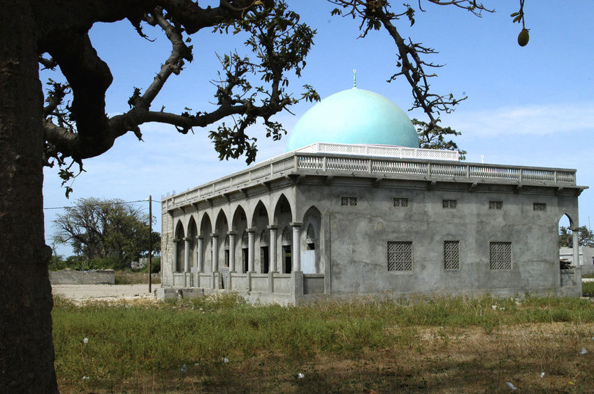 Palmarin Senegal Palmarin Place Of Worship Architecture Building Exterior Built Structure Day Delta Dome Islam Islamic Architecture Mosk No People Outdoors Religion Religious Building Senegal Sine Saloum Delta Sine-saloum Delta Sky